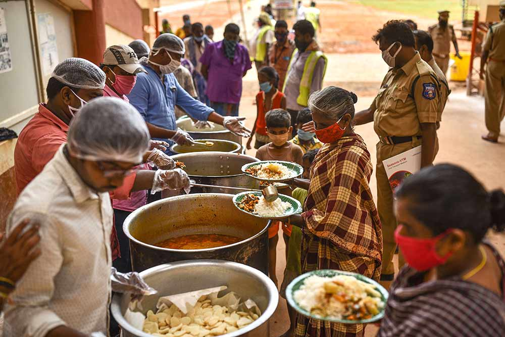 Food Distribution By citizens to poor peoples
